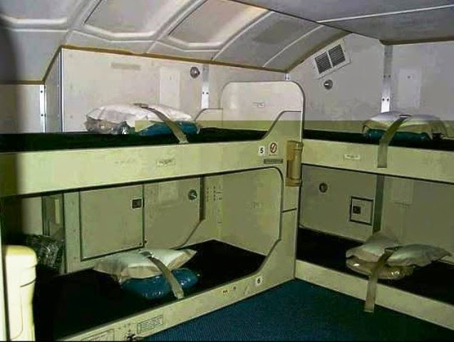 7 gambar tempat tidur pramugari dalam kapal terbang