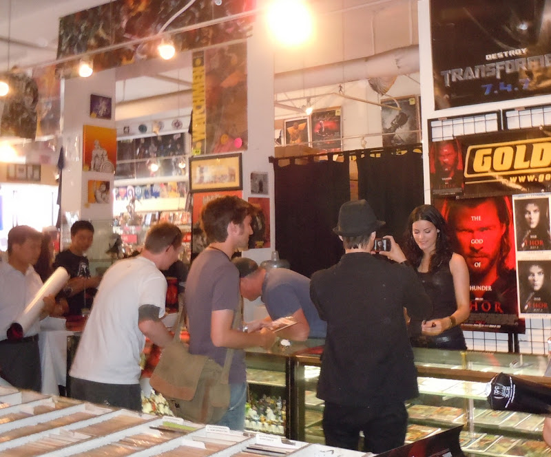 Sif Thor signing Golden Apple Comics
