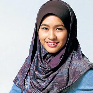 Wanita Muslimah berperanan bantu keluarga Shaina Shop