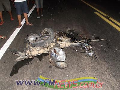 http://2.bp.blogspot.com/-RB_dnM4JrQI/UKmYLnaLF_I/AAAAAAAAH7g/NeKD9XFMPq8/s1600/acidente0002.jpg