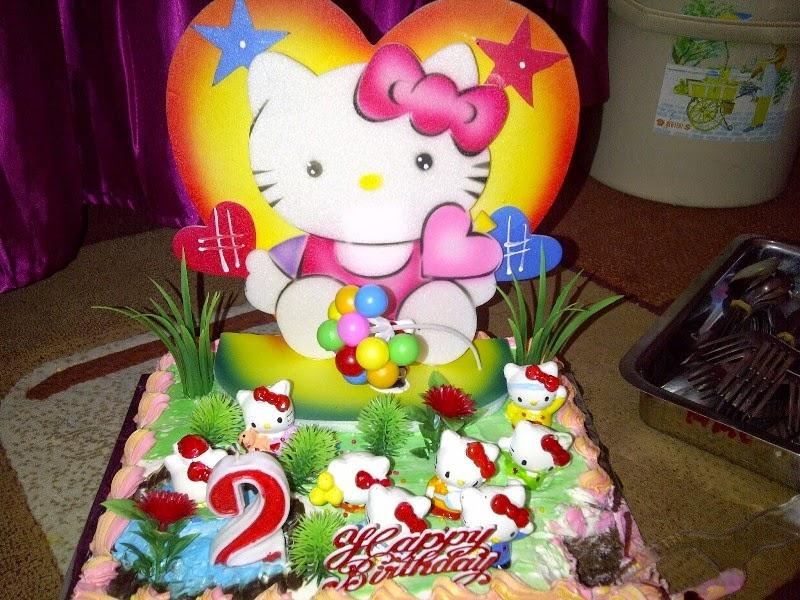 Gambar kue ulang tahun tema hello kitty lucu banget gratis untuk anak