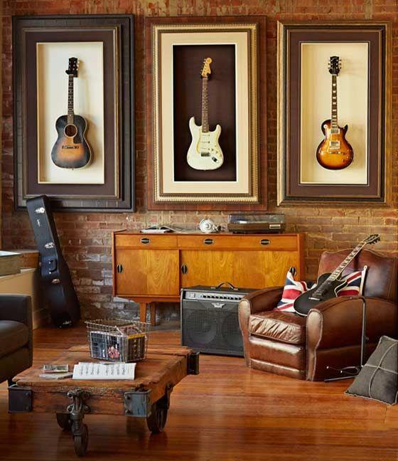 Finest on peut jouer la carte de la dco rtro totalement axe sur la musique en exposant des guitares au mur et en son salon en lieu musical with deco salon