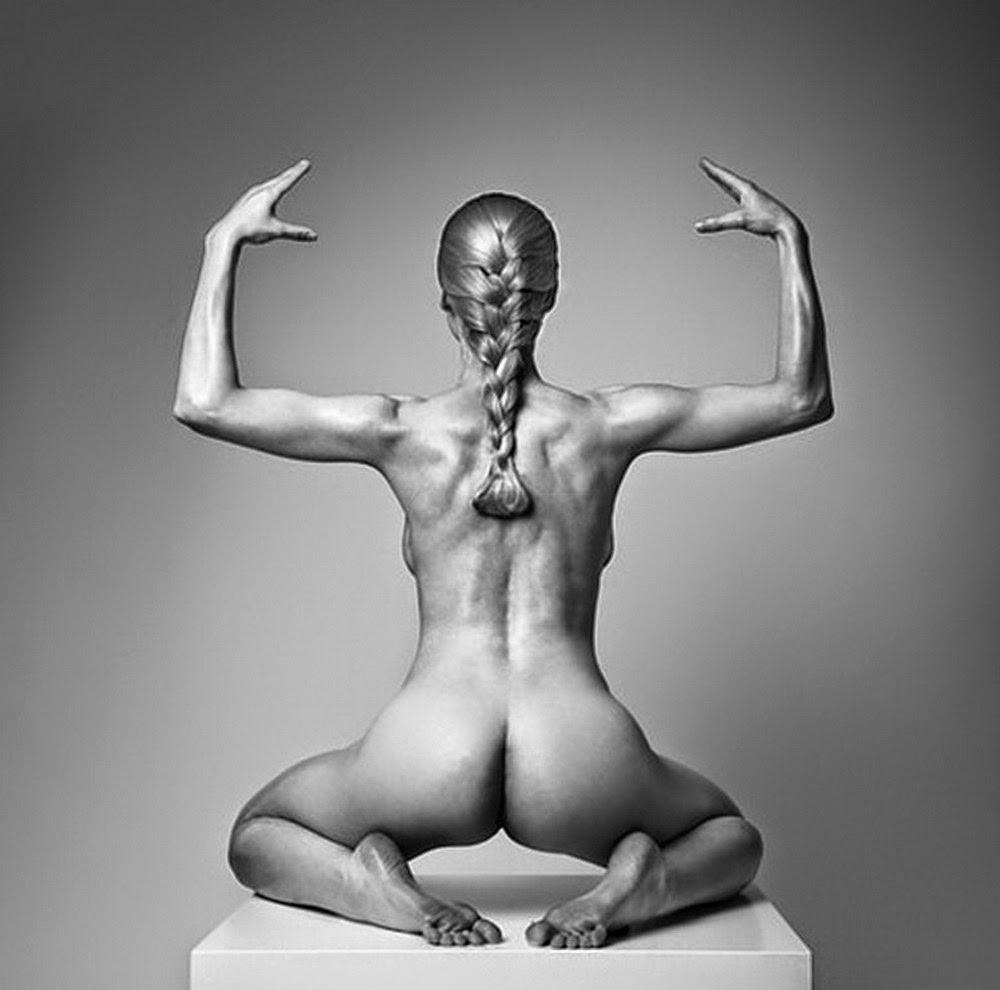 fotos-artisticas-femeninas-en-blanco-y-negro