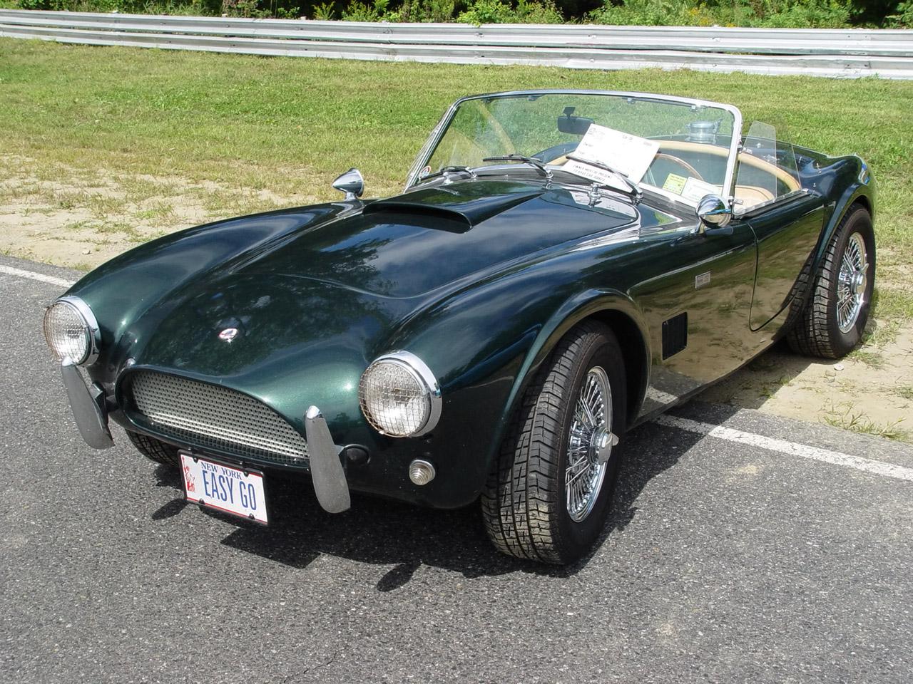 http://2.bp.blogspot.com/-RBiZqzTZ5W4/Td3ncRsRZtI/AAAAAAAAAdU/rKSFpk3X680/s1600/1964-Shelby-Cobra-green-fa-1280x960-lr.jpg