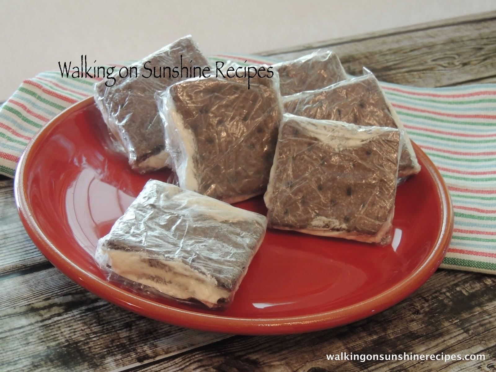 Cool Whip Graham Cracker Sandwiches... | Walking on Sunshine