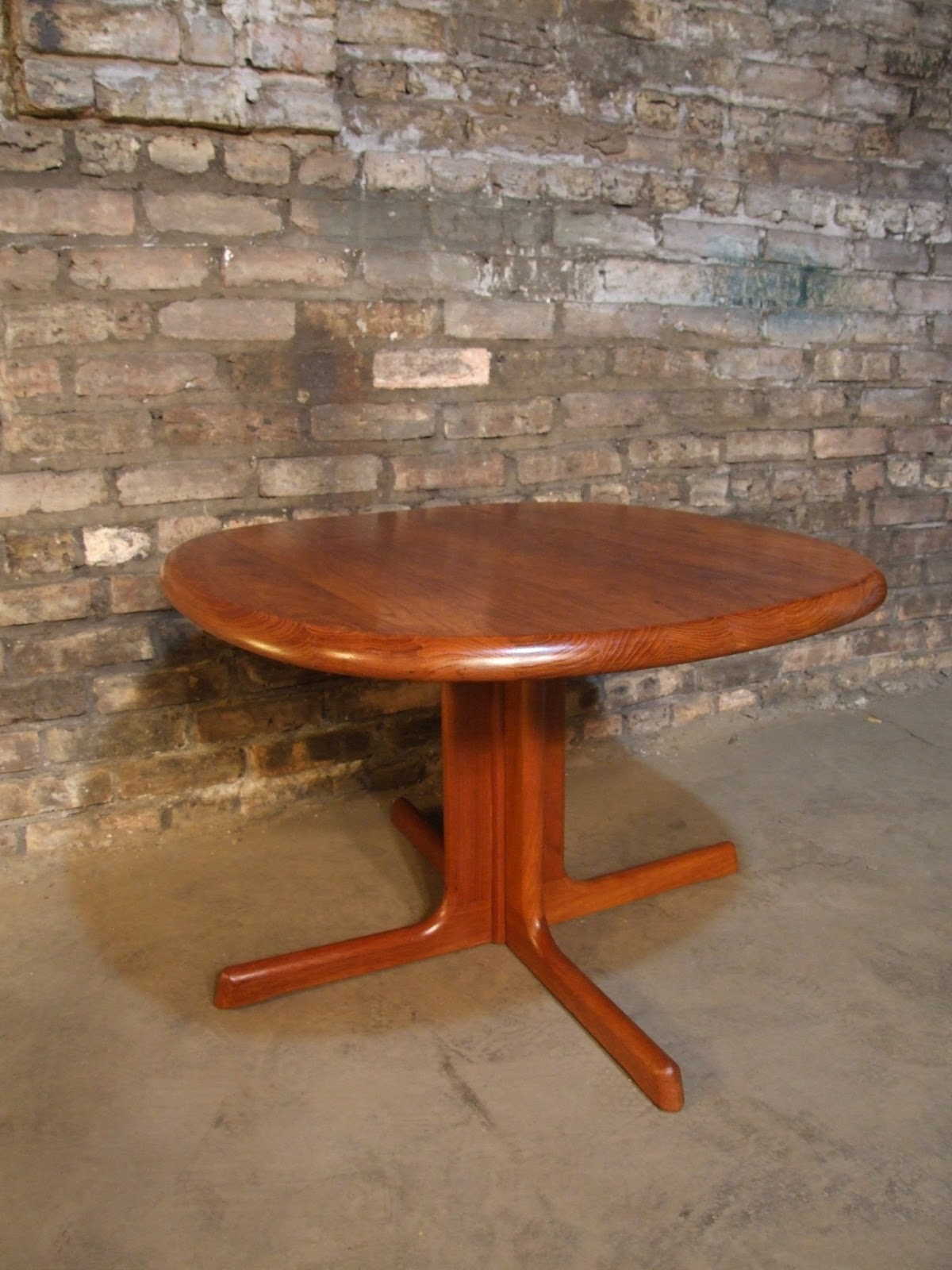 Mid Century Chicago Dyrlund Danish Modern Coffee Table