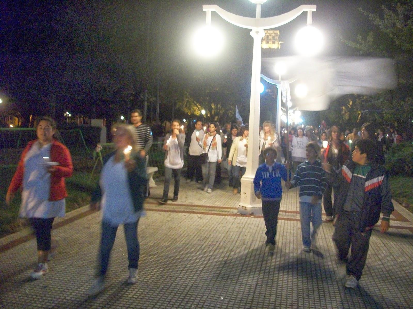 Casares On Line Marcha Con Antorchas De Los Docentes