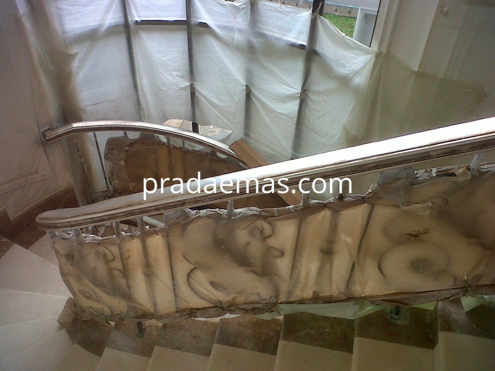 finishing railing tangga silver leaf antique