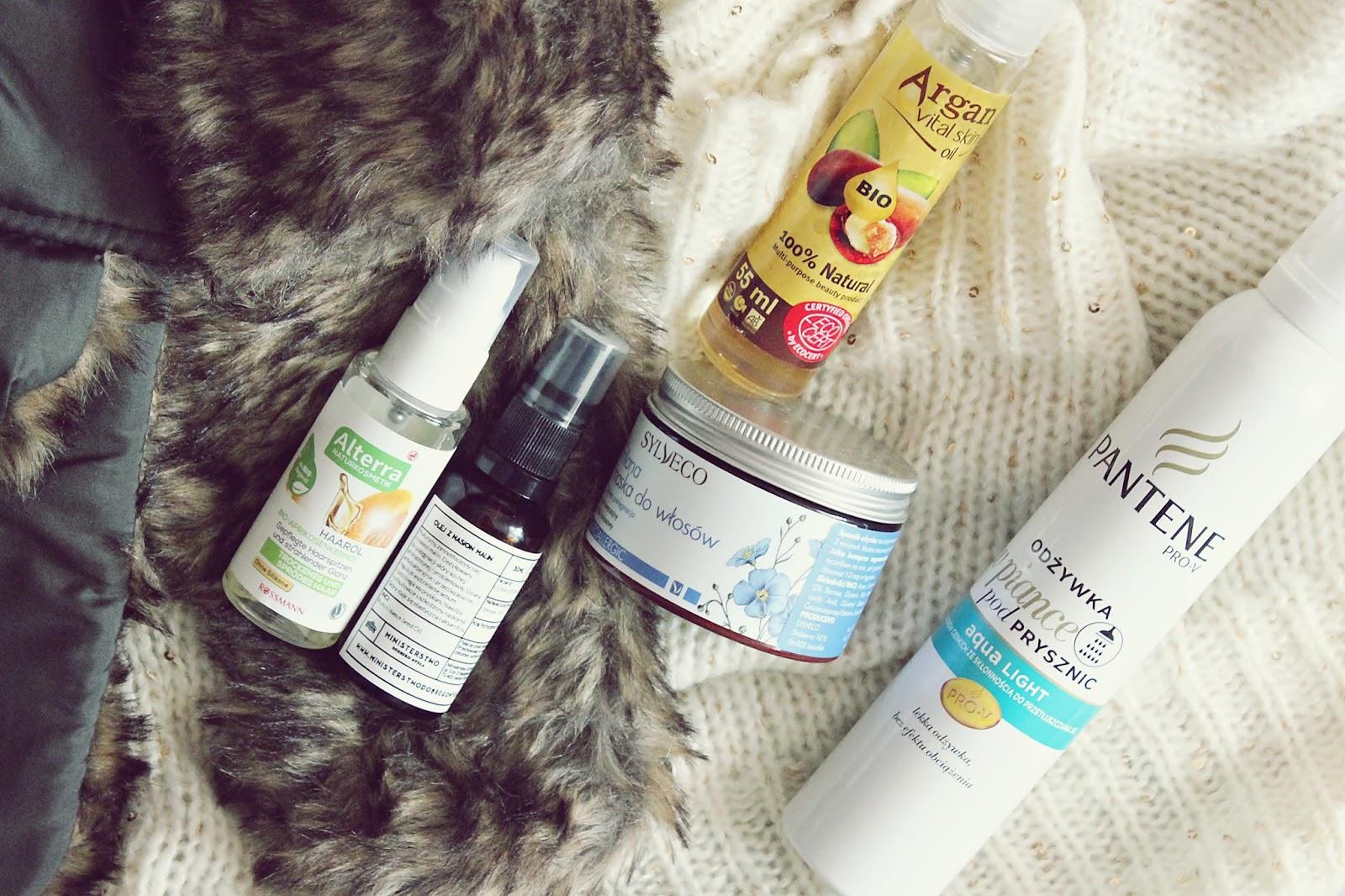 Jak dbać o włosy zimą oraz skuteczne sposoby na wypadanie włosów
