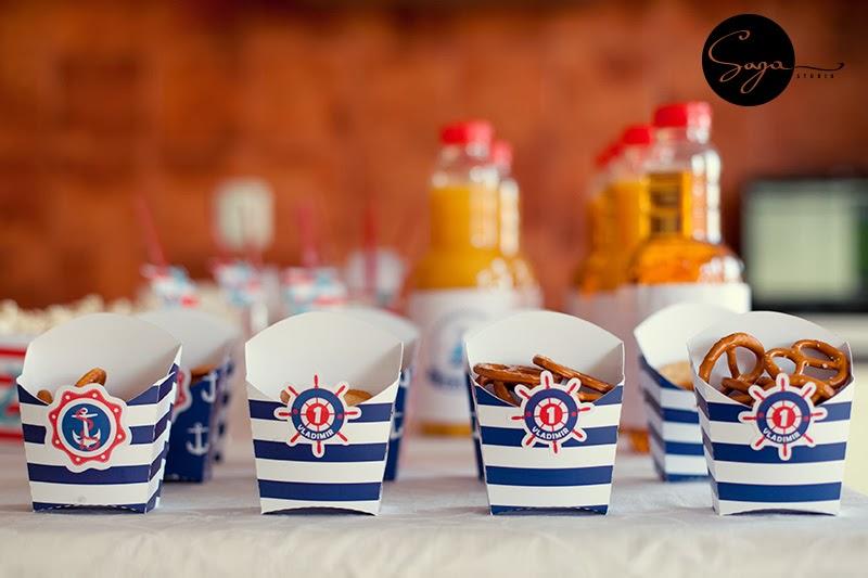cutie petrecere navy, cutie biscuiti personalizata, tema marina, petreceri personalizate