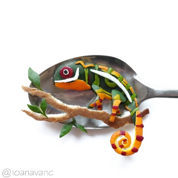 09-Chameleon-Ioana-Vanc-Food-Art-using-Chocolate-Vegetables-and-Fruit-www-designstack-co