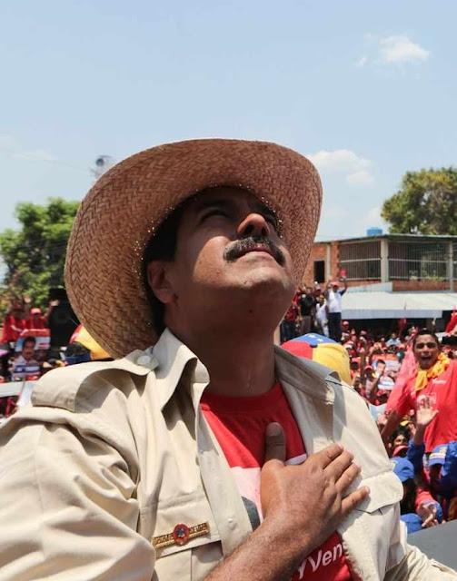 Maduro invoca o espírito de Chavez,  mas parece que não ouve muita solução