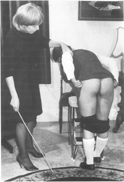 Absolutamente impresionante Wife begs for mercy spank