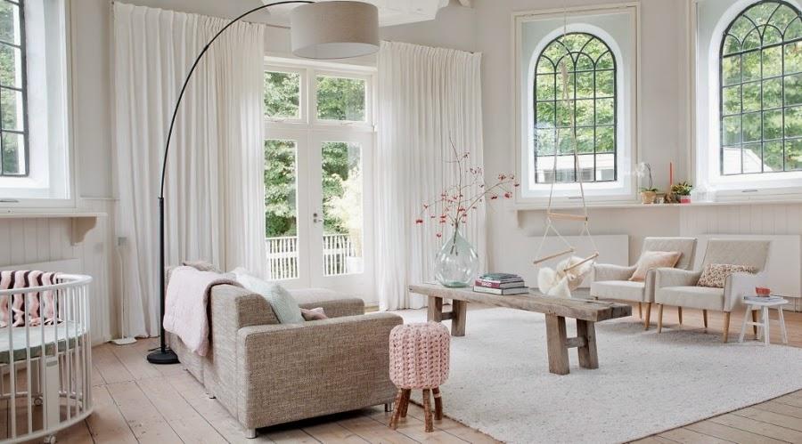 wystrój wnętrz, home decor, wnętrza, dom mieszkanie, urządzanie, pastelowe kolory, róż, jasne wnętrze, białe wnętrze, salon