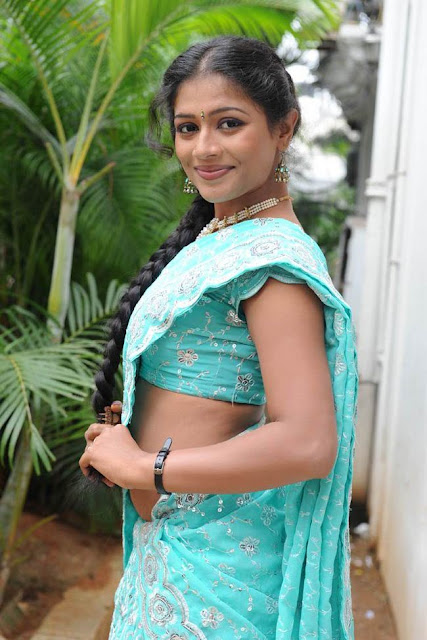 Anu-Sri-Photoshoot-at-Gopika-Movie-Opening