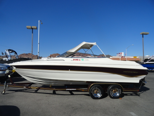 1998 Monterey 236 Montura! Nicely appointed boat! Won't last long!