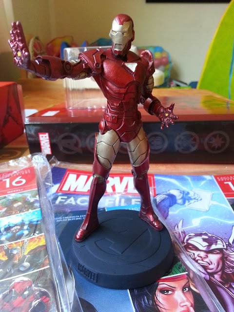 Miniatura Homem de Ferro Marvel Fact Files