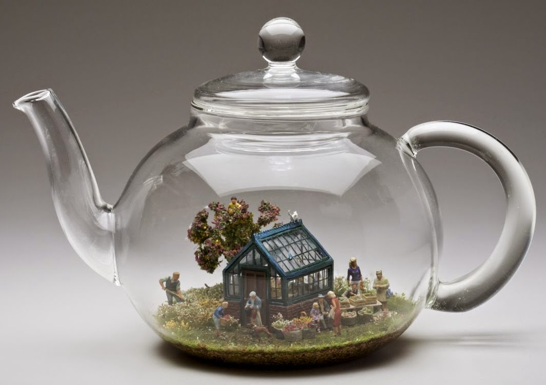 10-Kendal-Murray-Surreal-Miniature-Worlds-in-Everyday-Objects-www-designstack-co