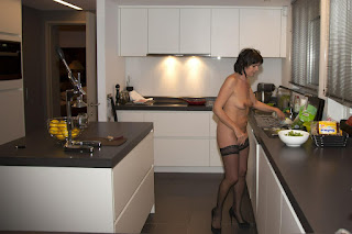 Free Sexy Picture - rs-Hausfrau11-03-799692.jpg