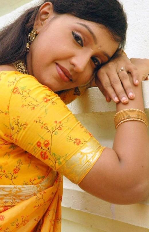 Lalitha Tamil TV Actress Hot Saree Stills Pics 6 Lalitha   Tamil TV Actress Hot Saree Stills Pics,Photoshoot (yellow blouse)