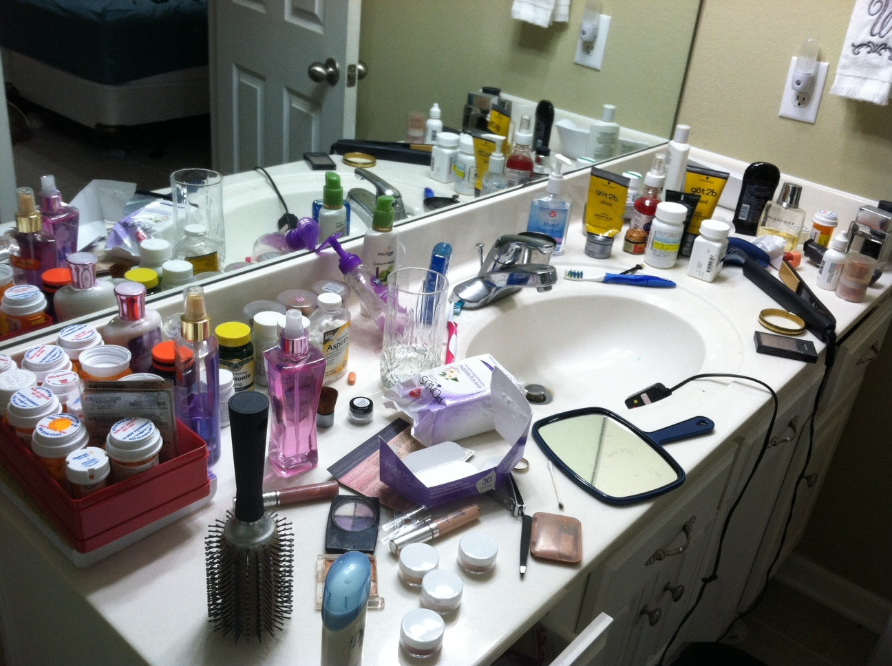 Bathroom Organization  Before And After Pics  Don t Judge Me. Mad Jackie  Bathroom Organization  Before And After Pics  Don t