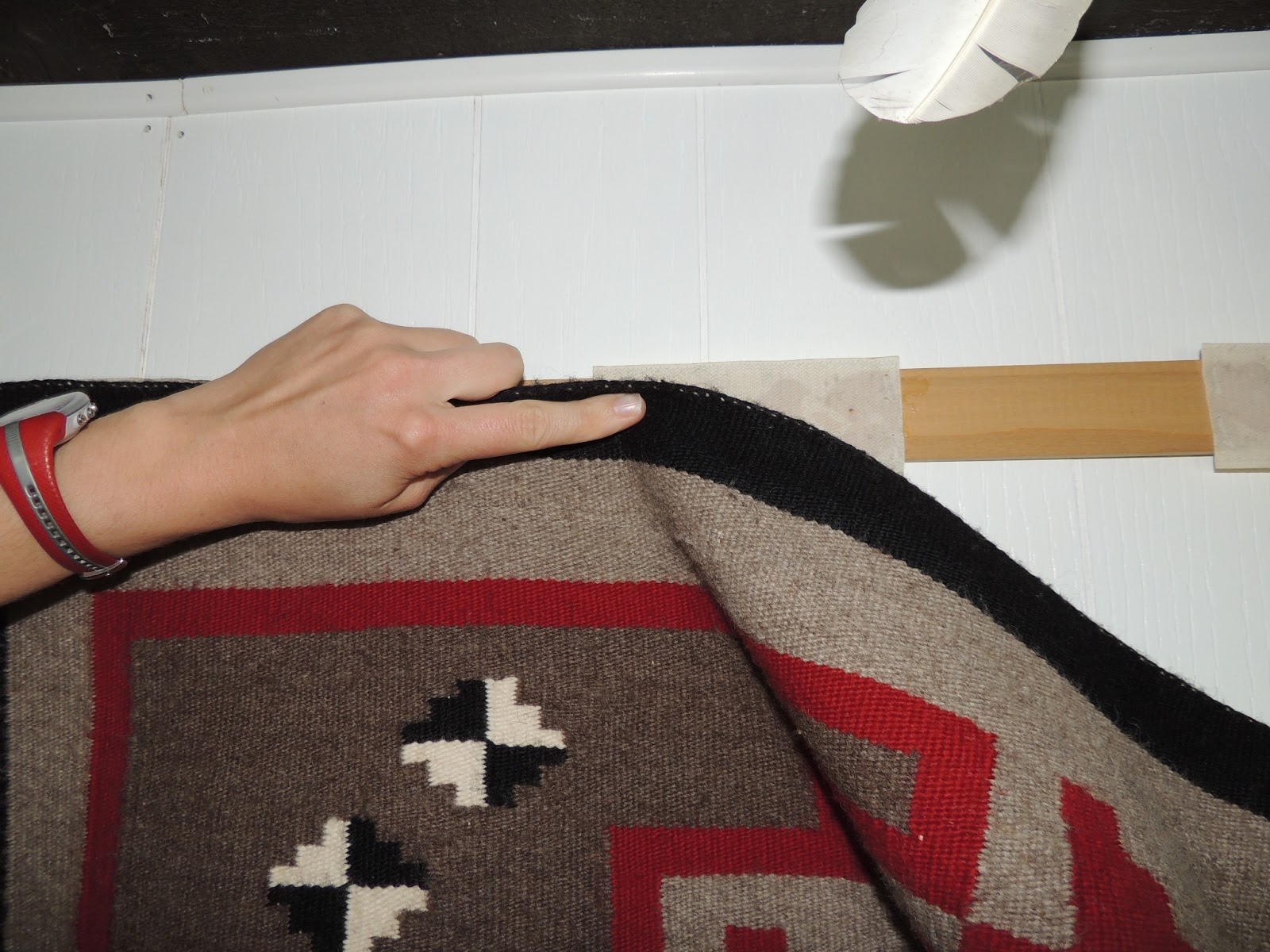 How To Hang A Rug On The Wall Navajo Rug Hanger | Roselawnlutheran