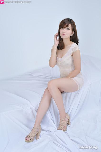 xxx nude girls: Gorgeous Lee Mi Jung