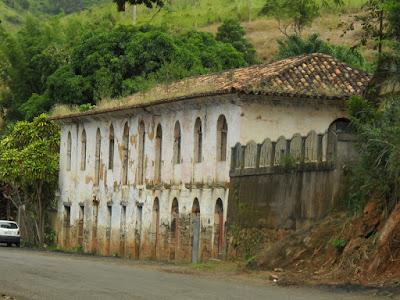 Antiga sede da alfândega na divisa entre Minas e Rio