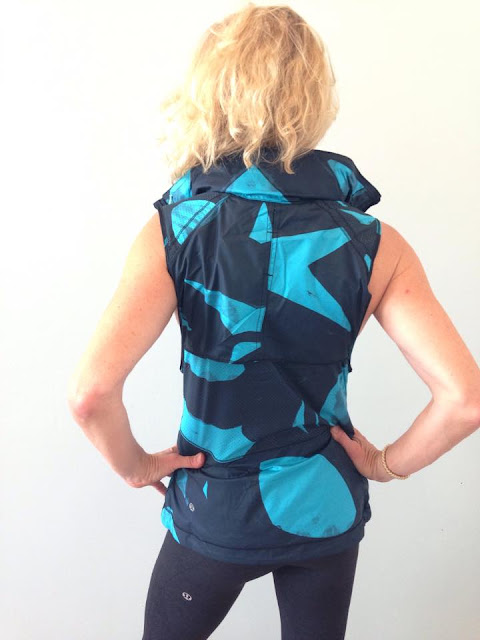 lululemon-pack-it-vest peacock