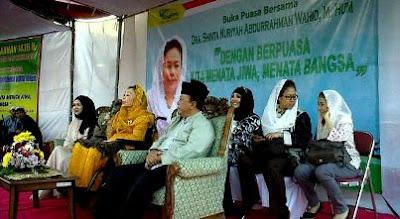 buka puasa bersama ibu shinta nuriyah 2015