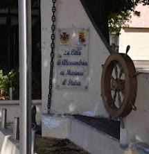 Il monumento fontana ai Marinai d'Italia