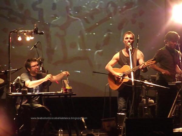 Kevin Johansen en Bahía