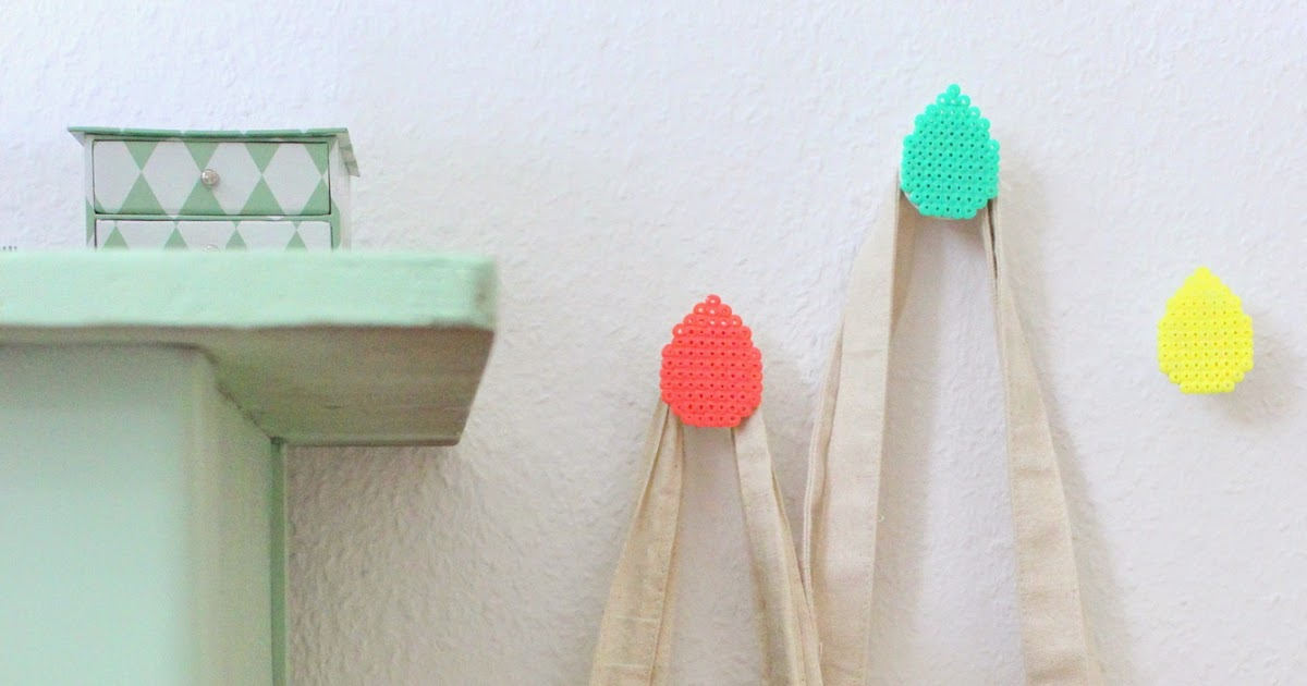 pfefferminzgruen garderoben haken mit b gelperlen. Black Bedroom Furniture Sets. Home Design Ideas