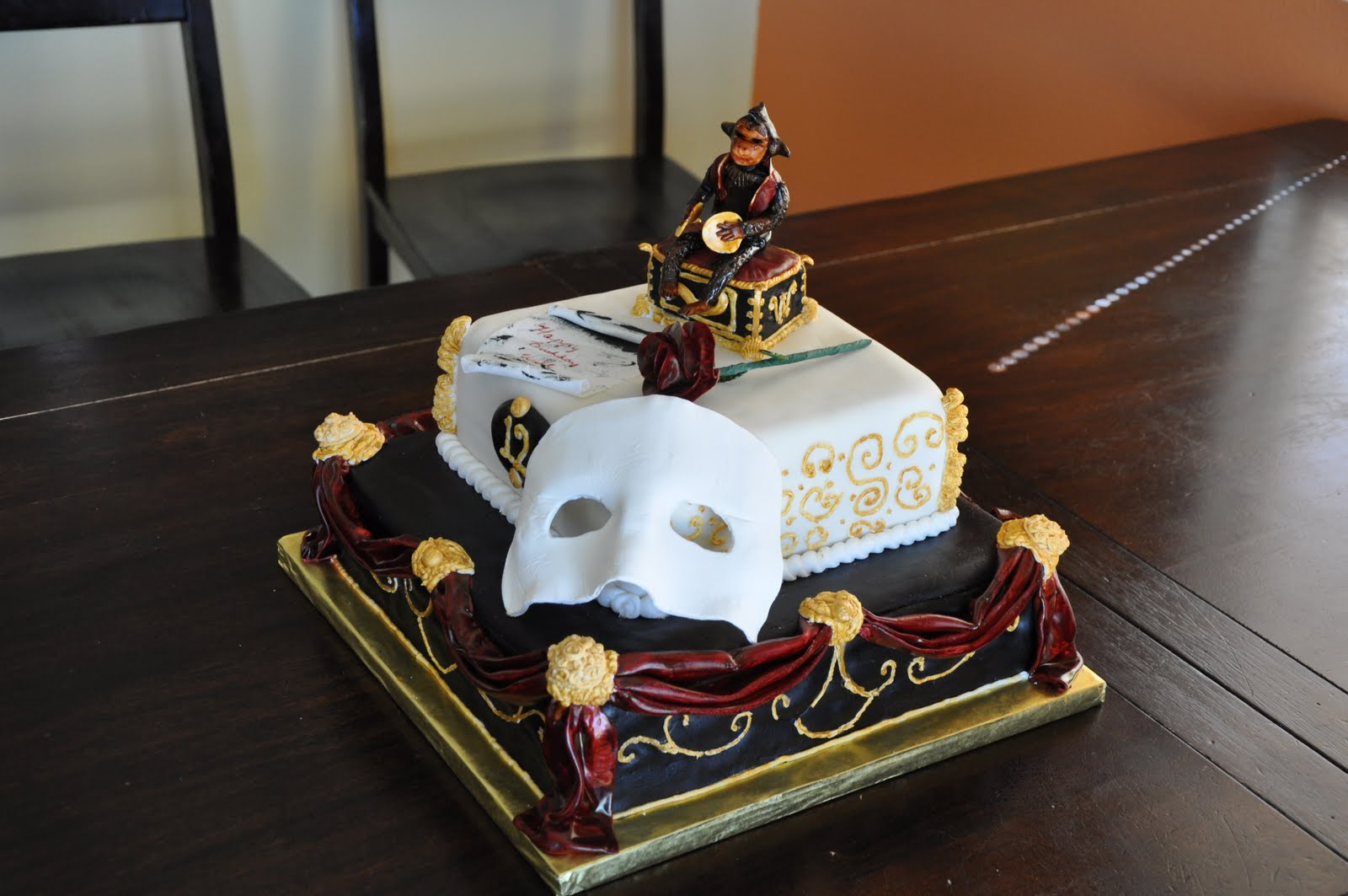 Opera Cake Decor : Adair Weddings: Phantom of the Opera Cake