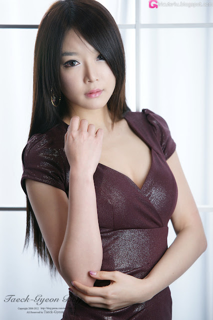 2 Lee Eun Seo - Maroon Mini Dress-very cute asian girl-girlcute4u.blogspot.com
