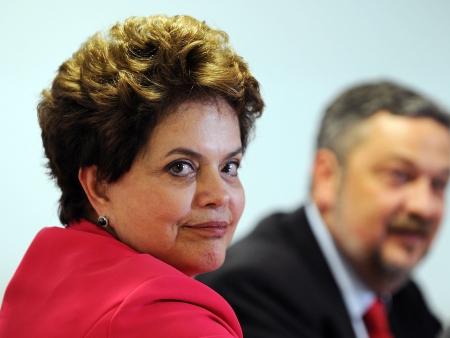 """Brasil: DIREITA FORMA """"CONLUIO"""" NO CASO PALOCCI PARA ATINGIR DILMA"""