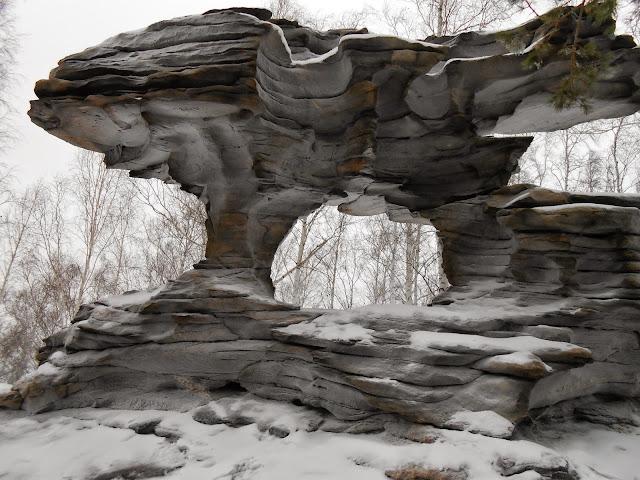 Скала Каменные ворота сзади