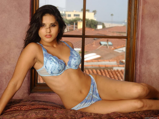 Young Sunny Leone in Bra and Panty