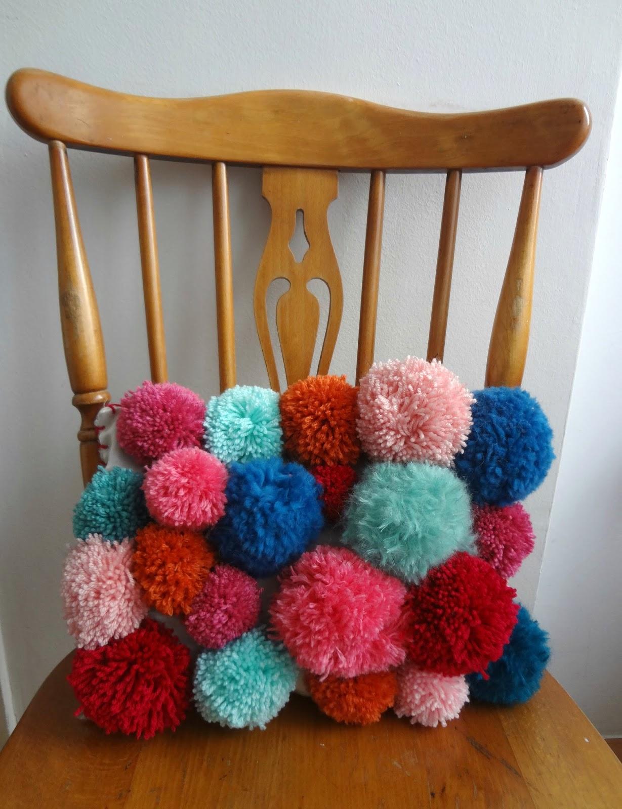 little treasures pom pom pillow diy. Black Bedroom Furniture Sets. Home Design Ideas