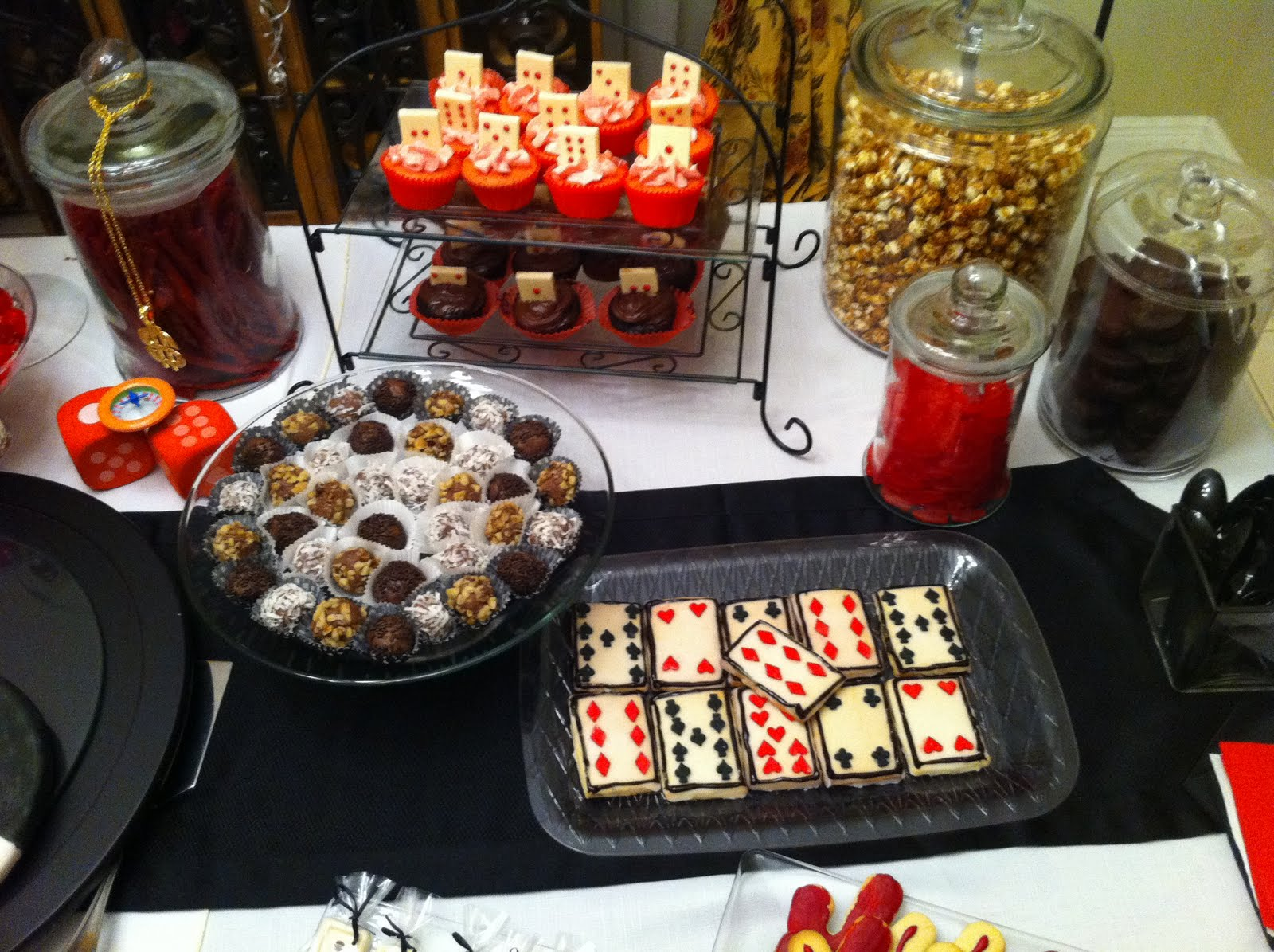 Welcome To Casino Players Dessert Table