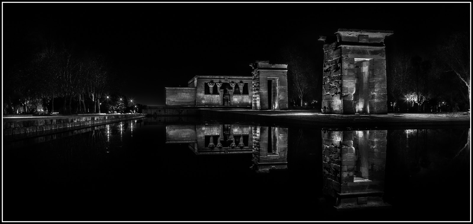 Debod en HDR :: HDR x Canon EOS 5D MkIII | ISO100 | Canon 17-40@28mm | f/8.0 | 1/25s, 1/6s, 0.6s, 10s, 30s | Trípode