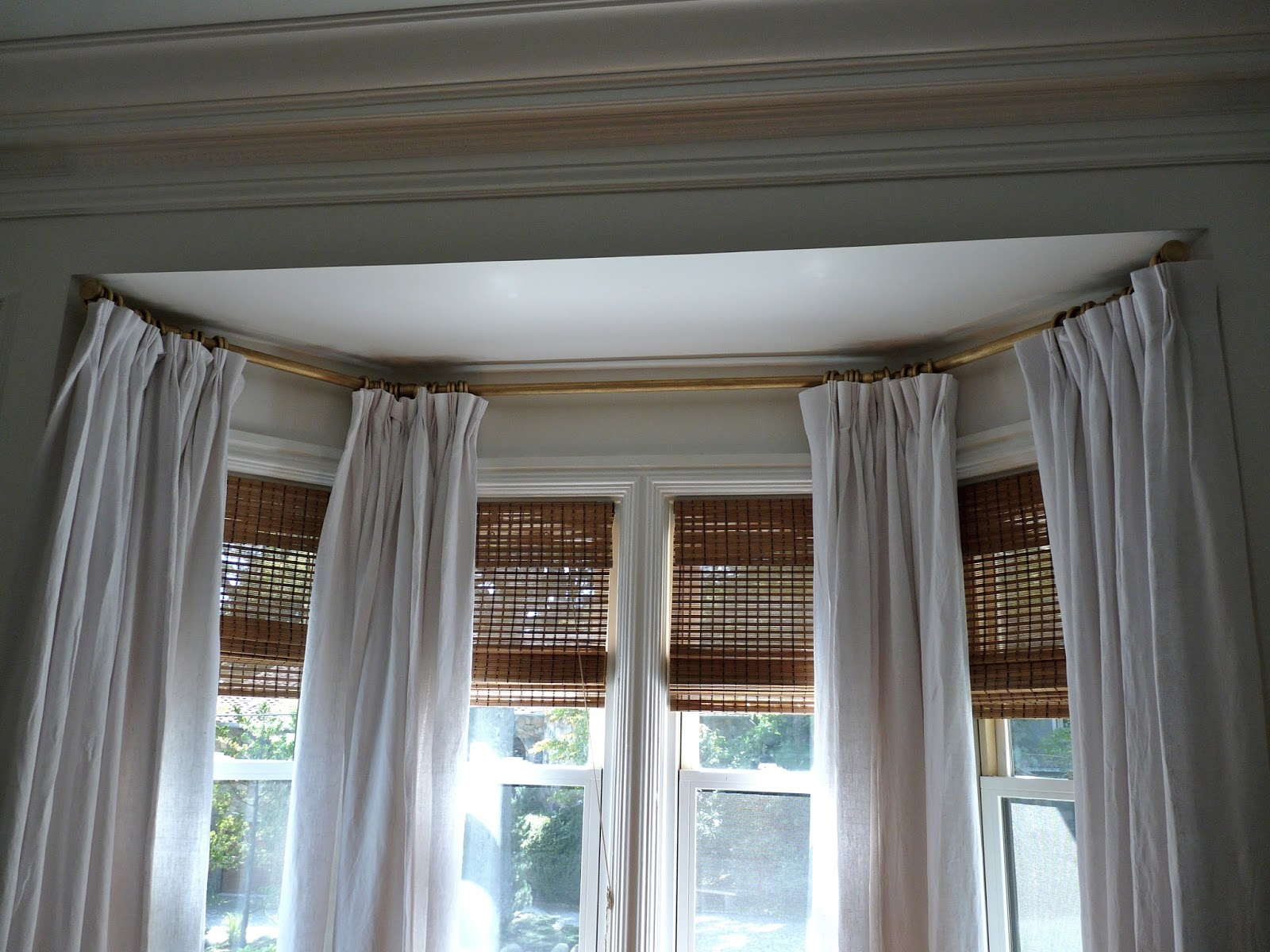 bay windows curtain rods www galleryhip com the bow curved and bay window coverings solutions