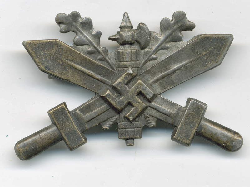 Military Training In Germany Badge for Italian Personnel – Silver  title=