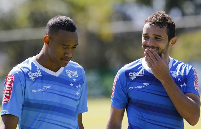 Fabricio e Charles podem jogar no provável time misto do Cruzeiro (Foto: Washington Alves/Light Press/Cruzeiro)