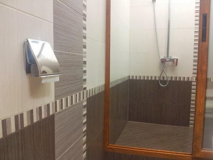 Баня с душ кабина от алуминиева дограма