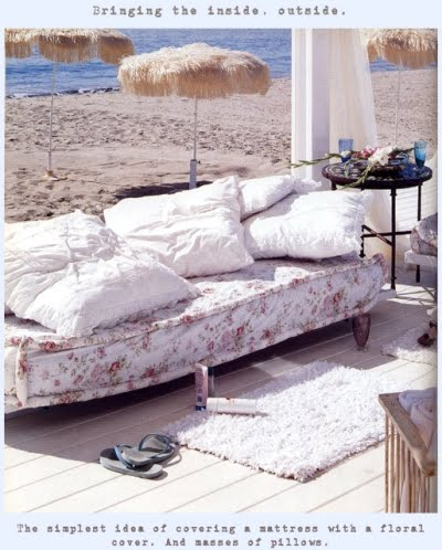 shabby chic decorating outdoors by the sea