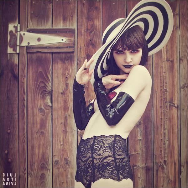 Glamorous Photography by Sito Alvina