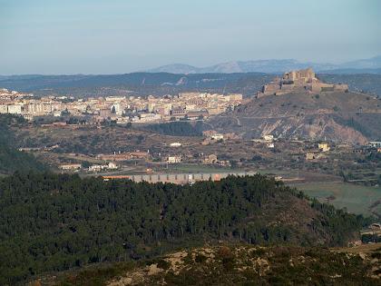 Panoràmica de Cardona i el seu castell des del Serrat del Pont