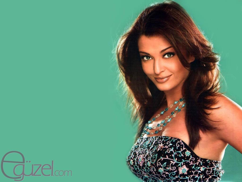 Aishwarya rai bachchan 2011 07 10 aishwarya makes us all crazy voltagebd Image collections