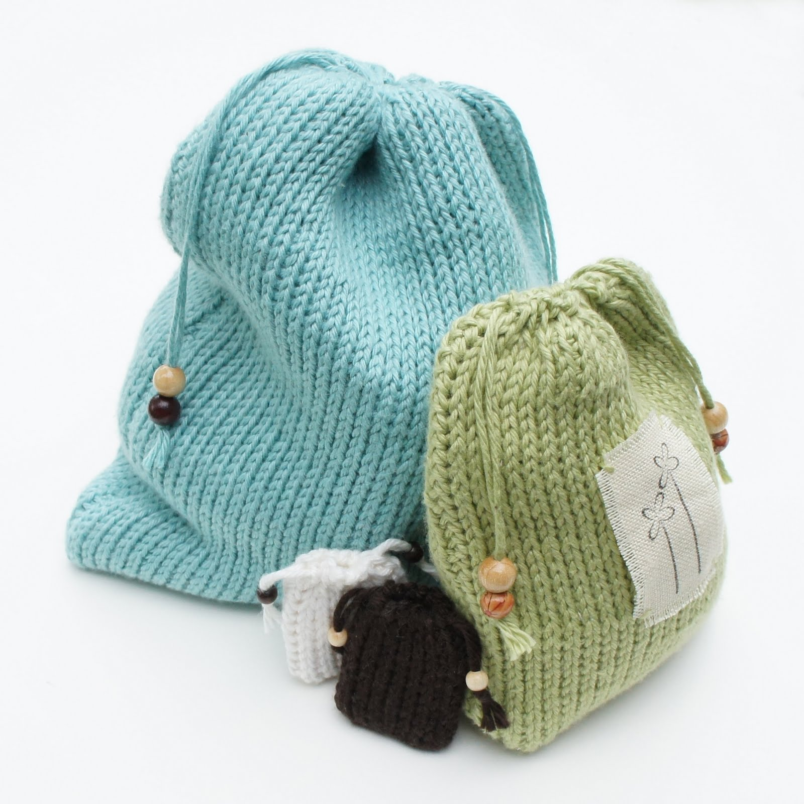 knot•sew•cute design shop: how to do the tunisian knit stitch.